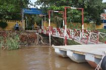 Cambodian Water Border