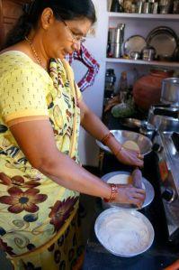 rolling chapati