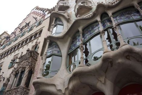 Casa Batló from the outside.